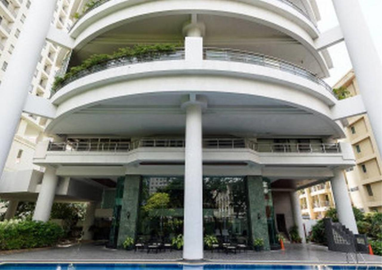 Bangkok Residential Agency's 3 Bed Condo For Rent in Phrom Phong BR5944CD 21