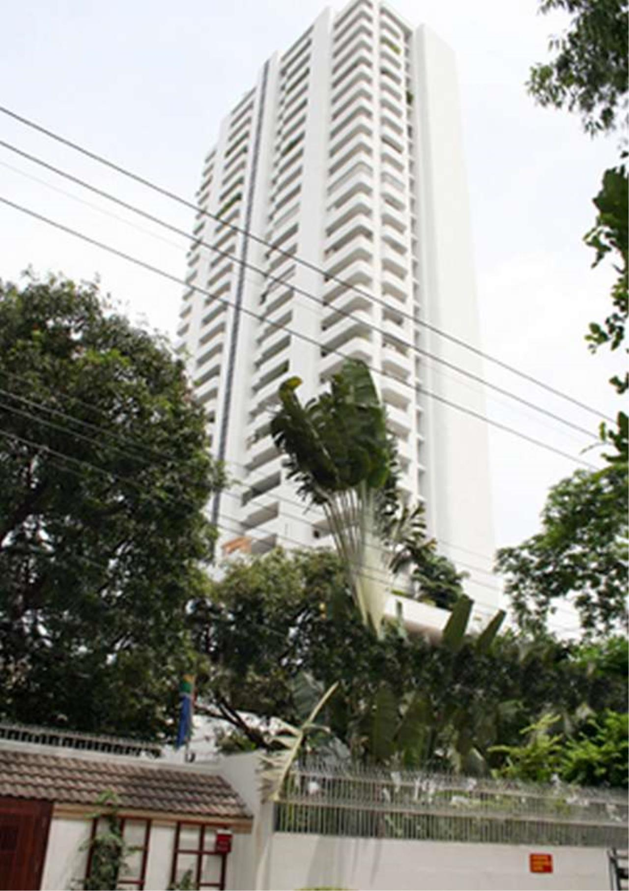 Bangkok Residential Agency's 3 Bed Condo For Rent in Phrom Phong BR5969CD 2