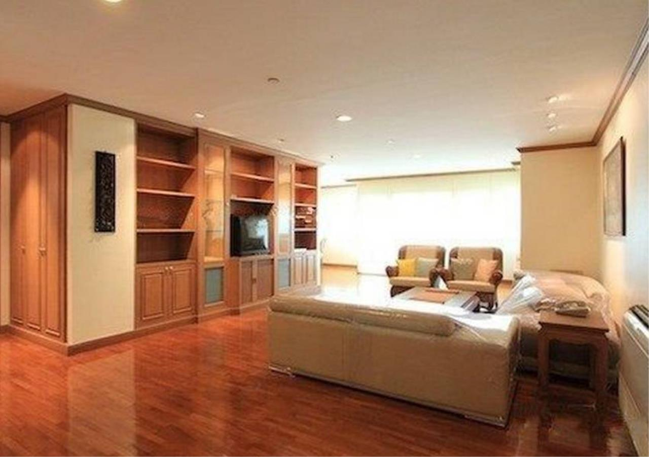 Bangkok Residential Agency's 3 Bed Condo For Rent in Sathorn BR5978CD 1