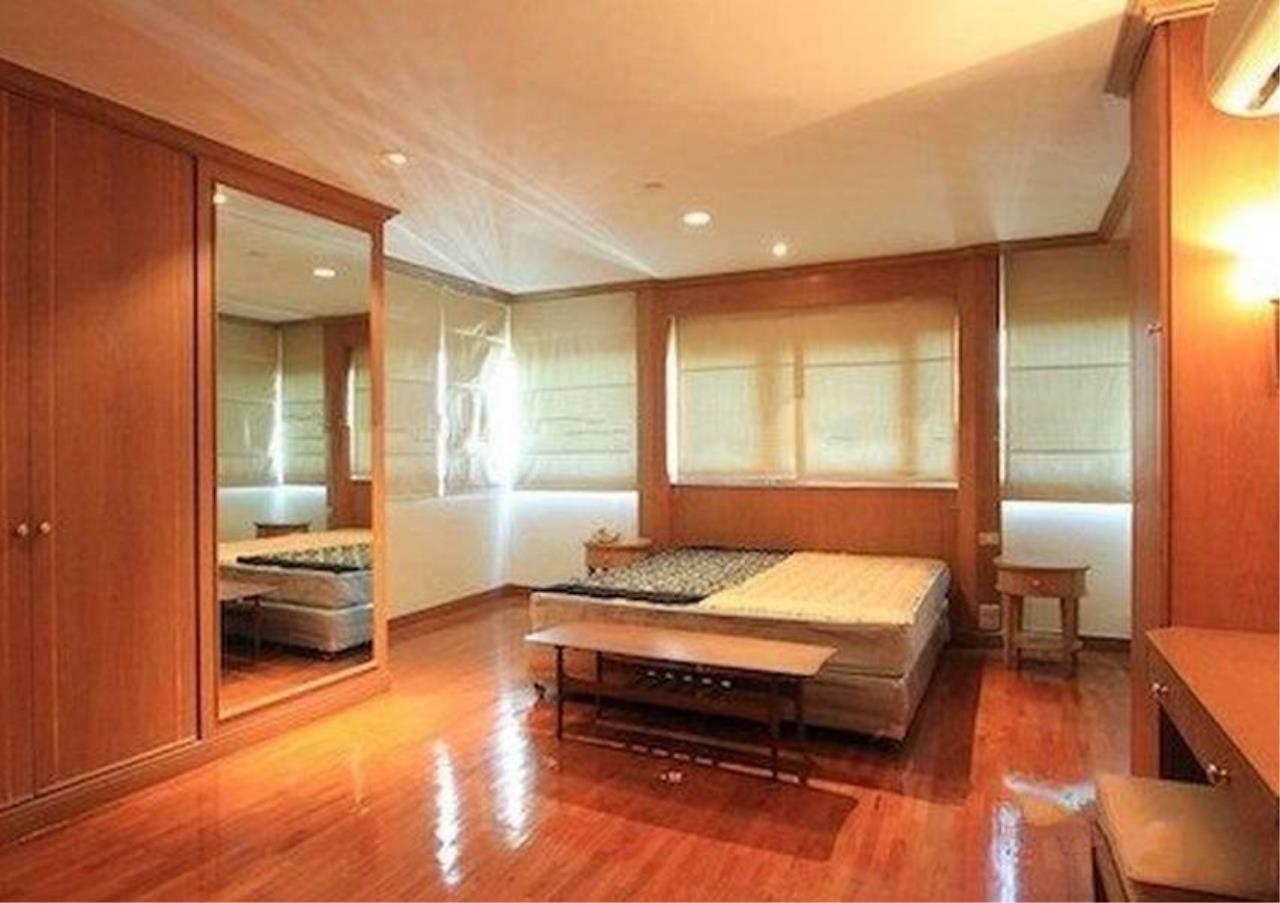 Bangkok Residential Agency's 3 Bed Condo For Rent in Sathorn BR5978CD 2