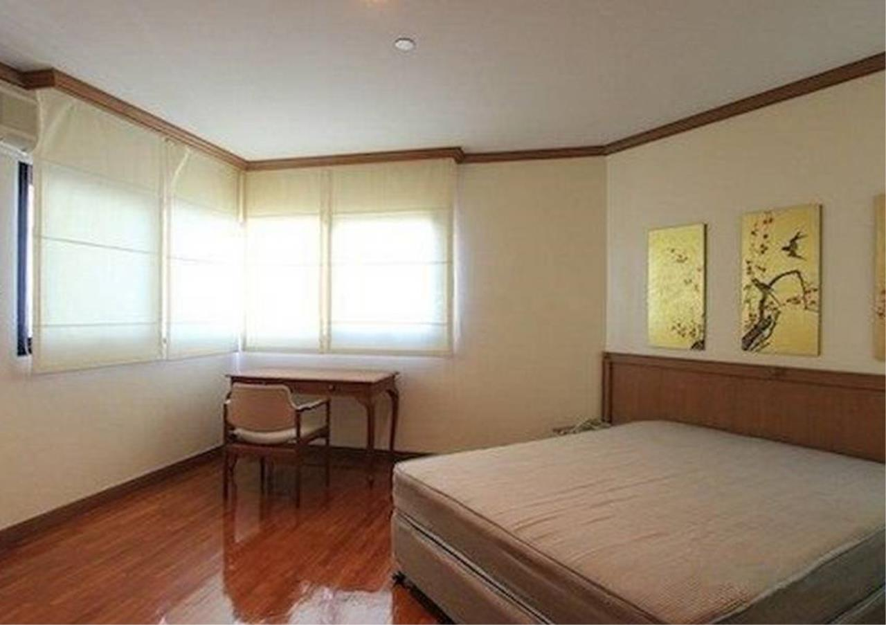 Bangkok Residential Agency's 3 Bed Condo For Rent in Sathorn BR5978CD 4