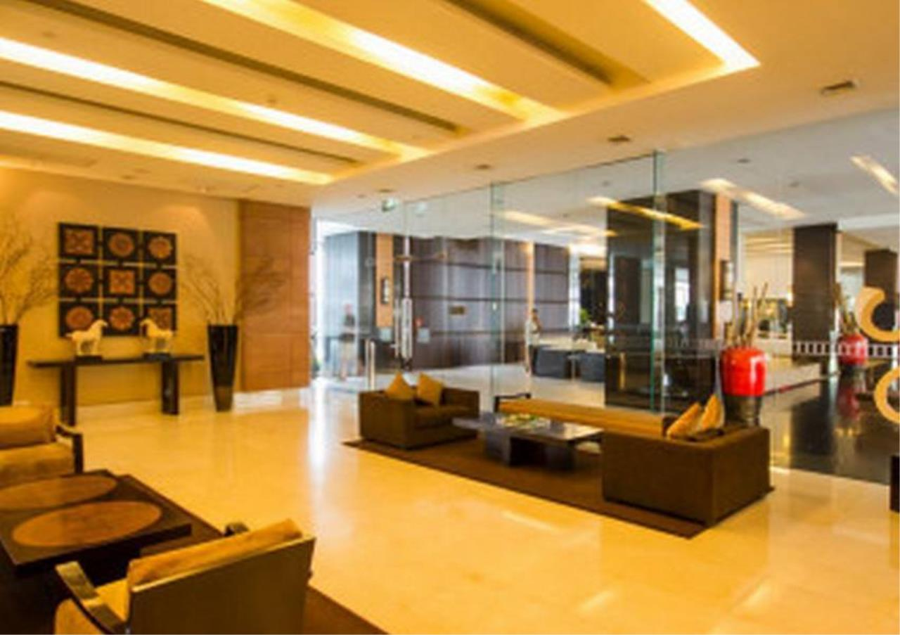 Bangkok Residential Agency's 3 Bed Condo For Rent in Sathorn BR5978CD 9