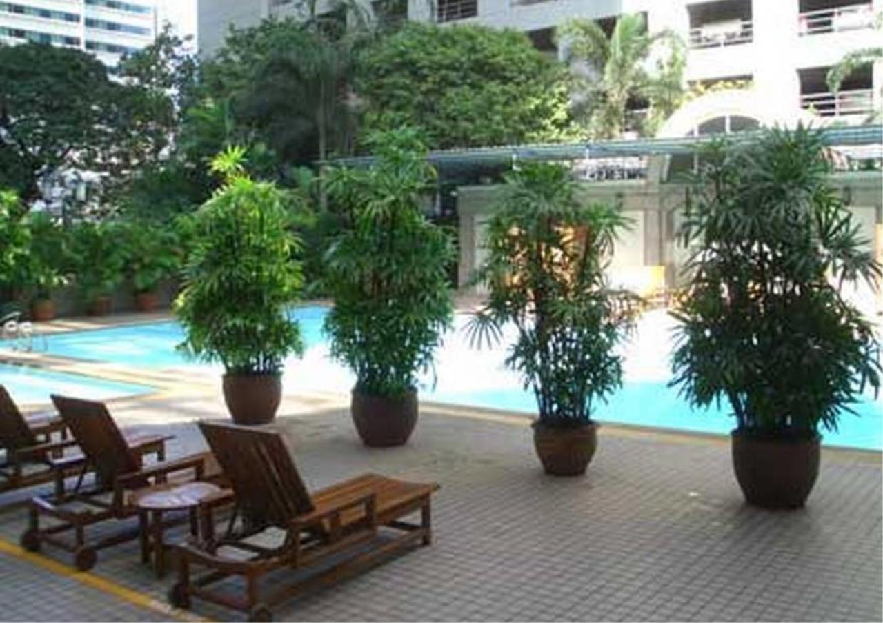 Bangkok Residential Agency's 4 Bed Condo For Rent in Sathorn BR5985CD 3