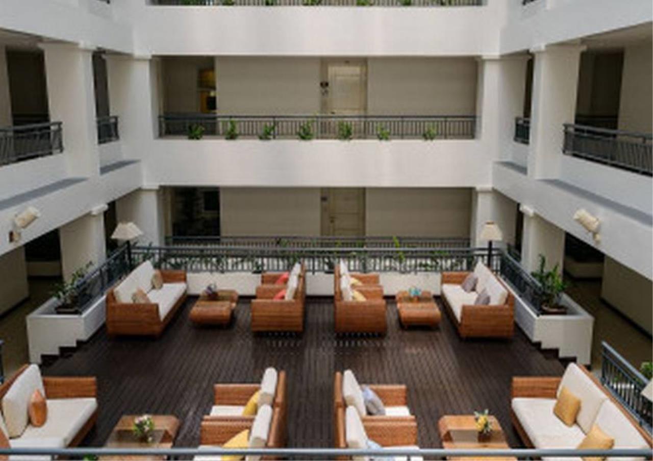 Bangkok Residential Agency's 2 Bed Condo For Rent in Ekkamai BR6001CD 2