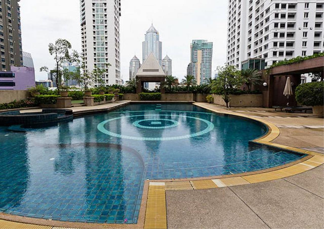 Bangkok Residential Agency's 2 Bed Condo For Rent in Chidlom BR6061CD 1
