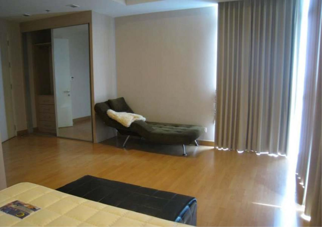Bangkok Residential Agency's 3 Bed Condo For Rent in Ekkamai BR6075CD 4