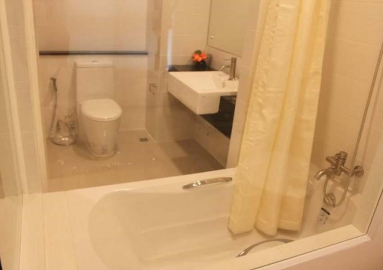 Bangkok Residential Agency's 3 Bed Condo For Rent in Ekkamai BR6075CD 5