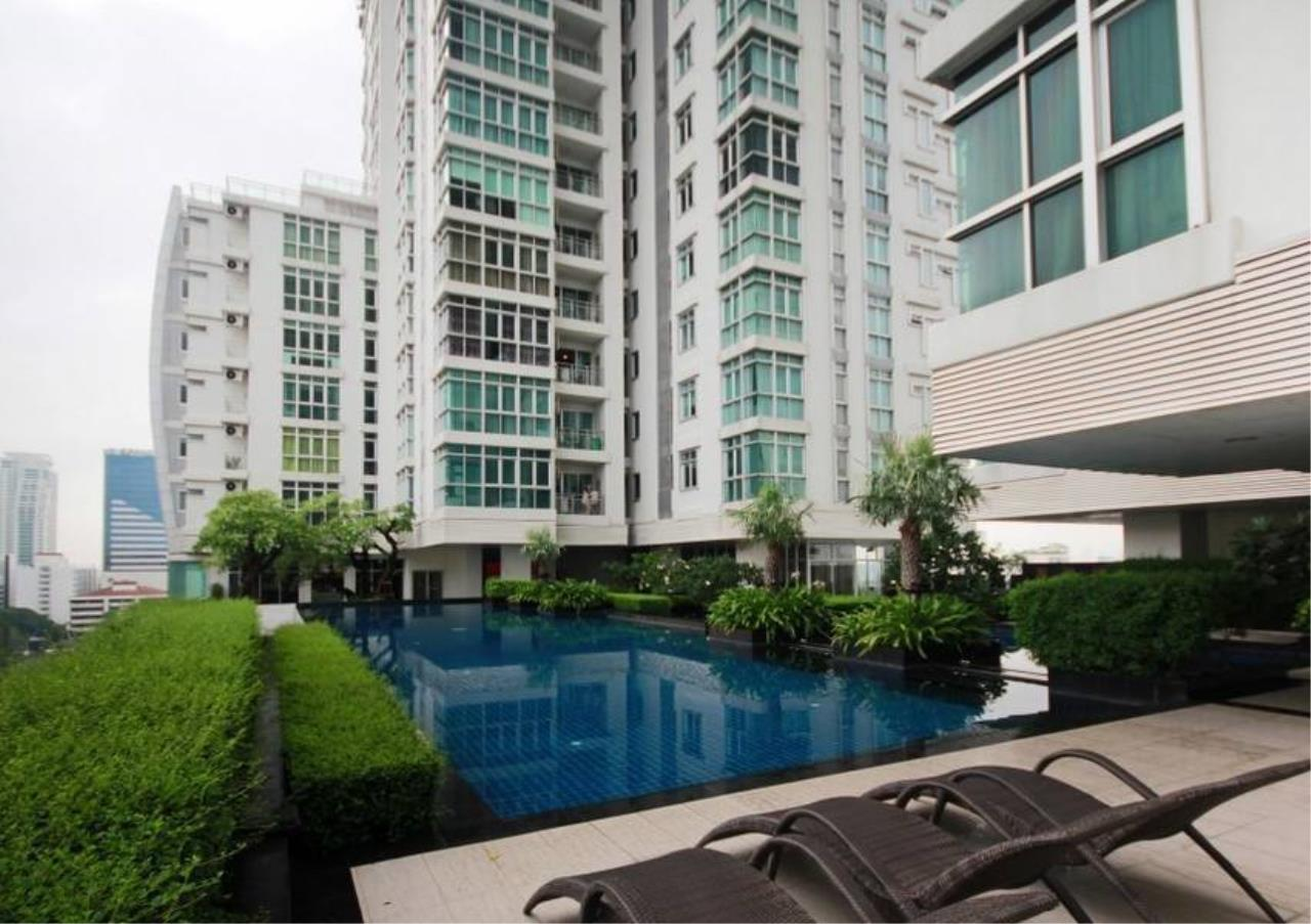 Bangkok Residential Agency's 3 Bed Condo For Rent in Ekkamai BR6075CD 11