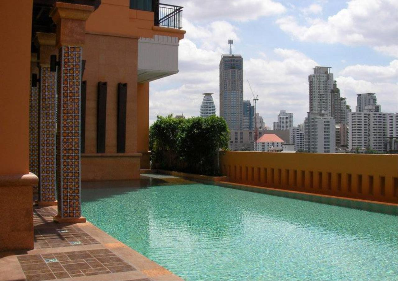 Bangkok Residential Agency's 2 Bed Condo For Rent in Phrom Phong BR6139CD 4