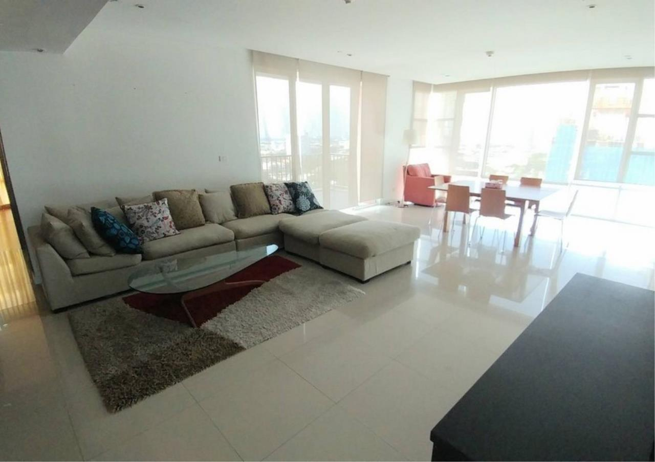 Bangkok Residential Agency's 3 Bed Condo For Rent in Ekkamai BR6167CD 1