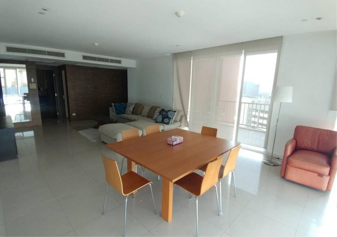 Bangkok Residential Agency's 3 Bed Condo For Rent in Ekkamai BR6167CD 2
