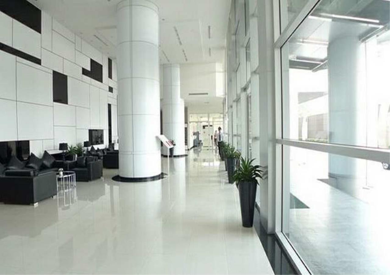 Bangkok Residential Agency's 3 Bed Condo For Rent in Ekkamai BR6220CD 4