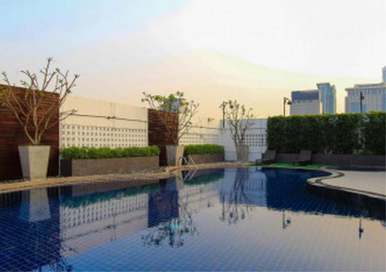 Bangkok Residential Agency's 2 Bed Condo For Rent in Phloenchit BR6268CD 2