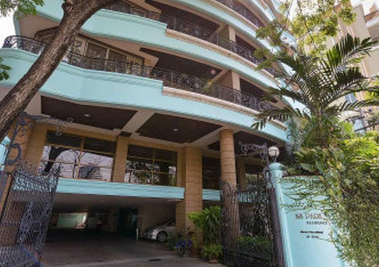 Bangkok Residential Agency's 3 Bed Condo For Rent in Phrom Phong BR6299CD 6