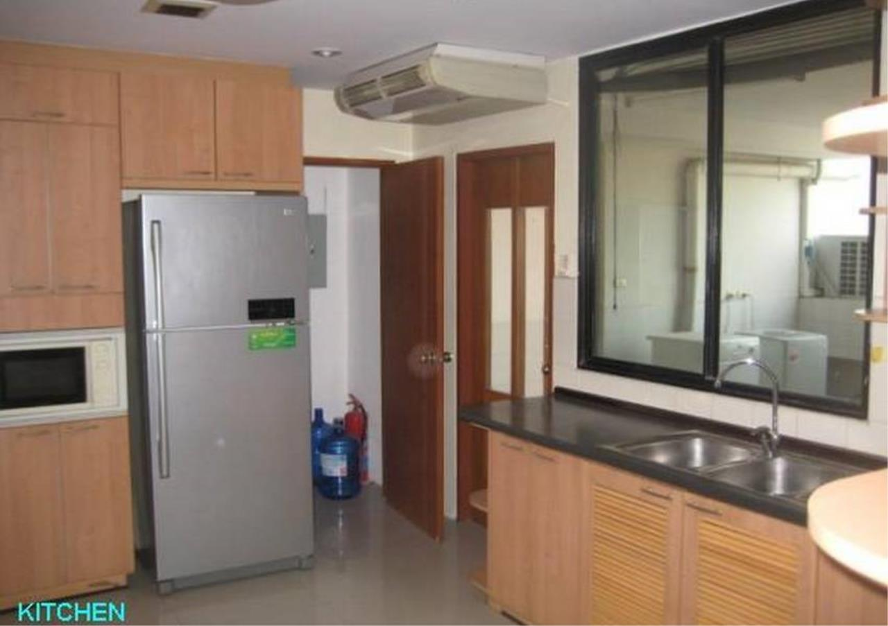 Bangkok Residential Agency's 4 Bed Condo For Rent in Phrom Phong BR6388CD 1