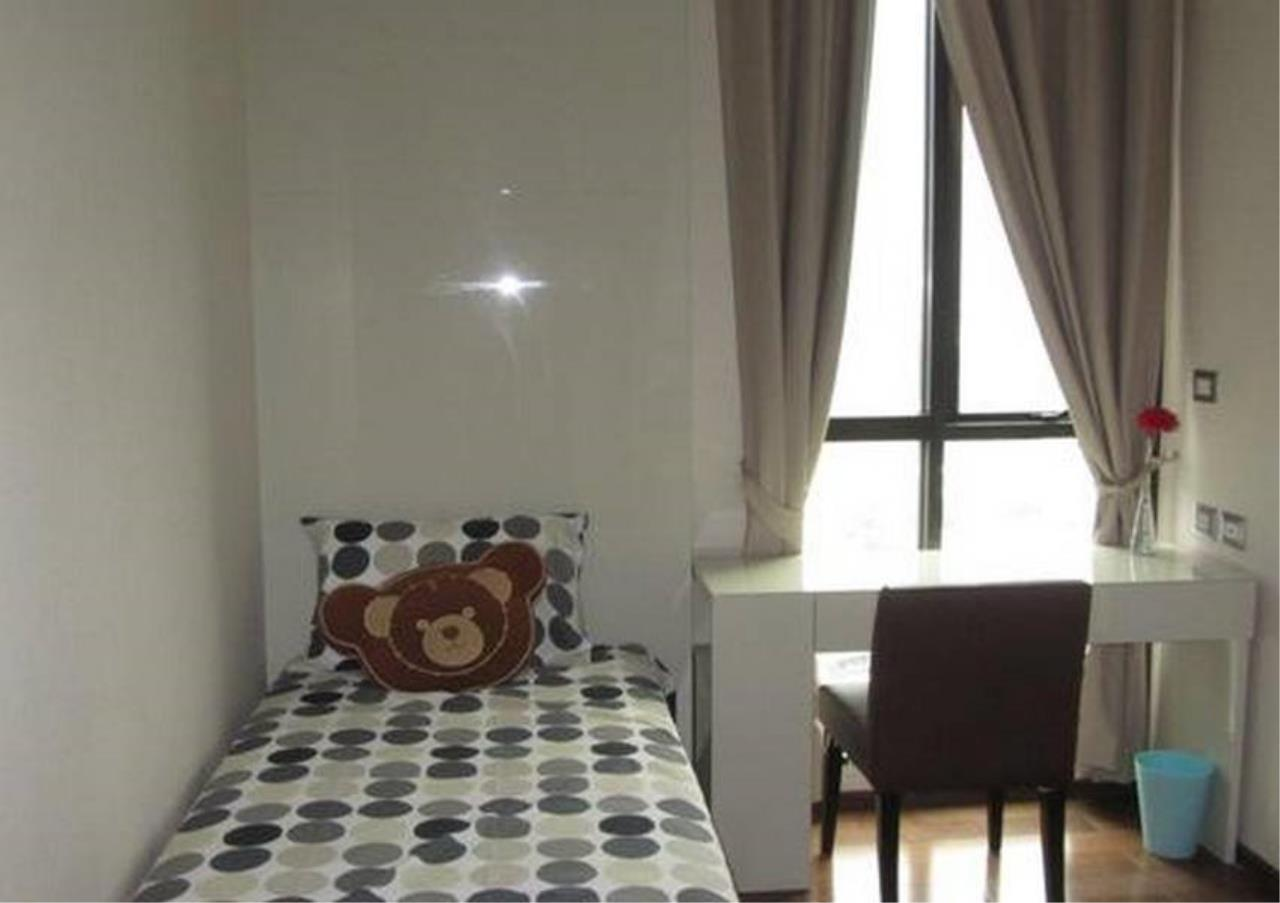Bangkok Residential Agency's 2 Bed Condo For Rent in Phrom Phong BR6466CD 10