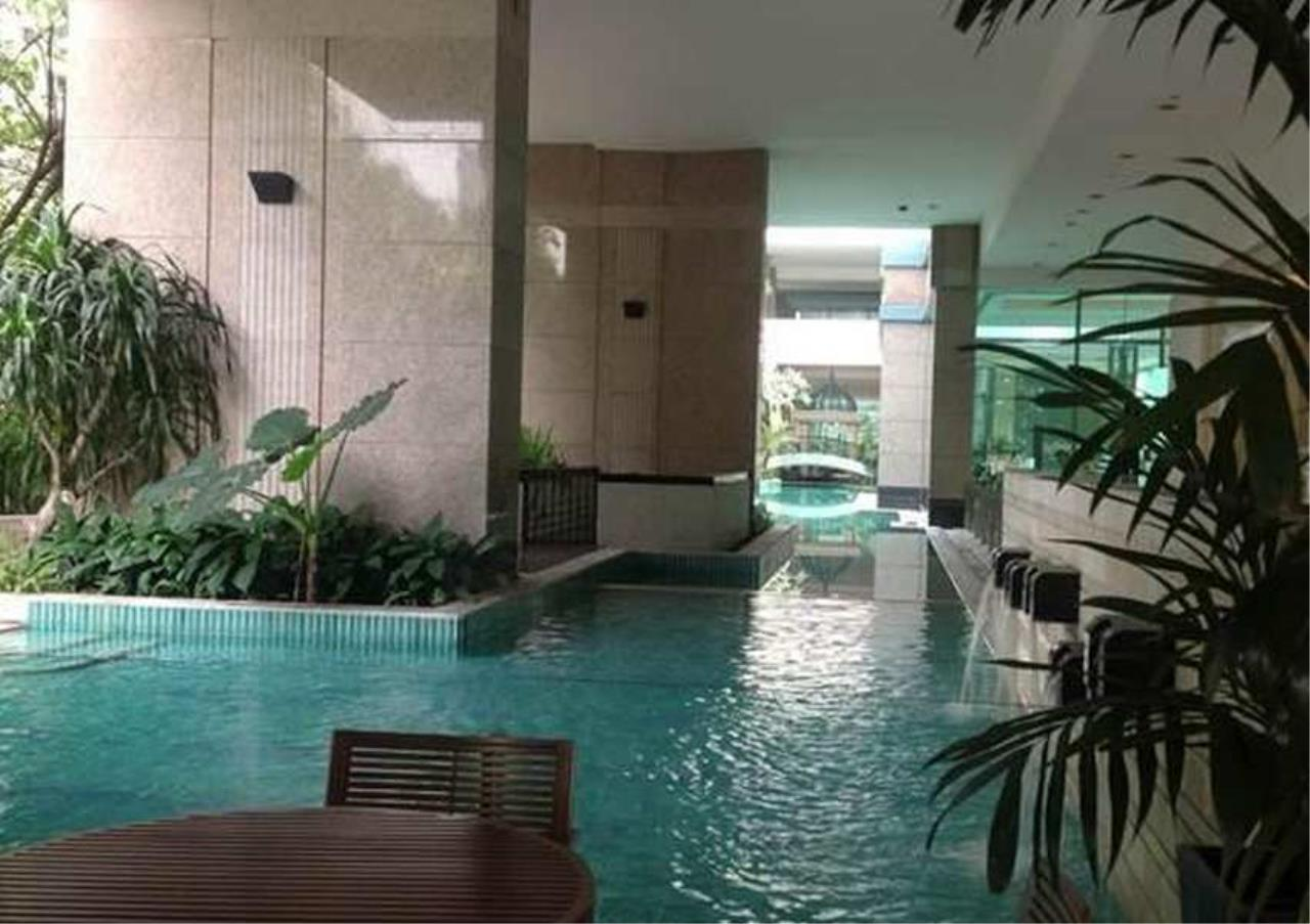 Bangkok Residential Agency's 3 Bed Condo For Rent in Chidlom BR6514CD 2