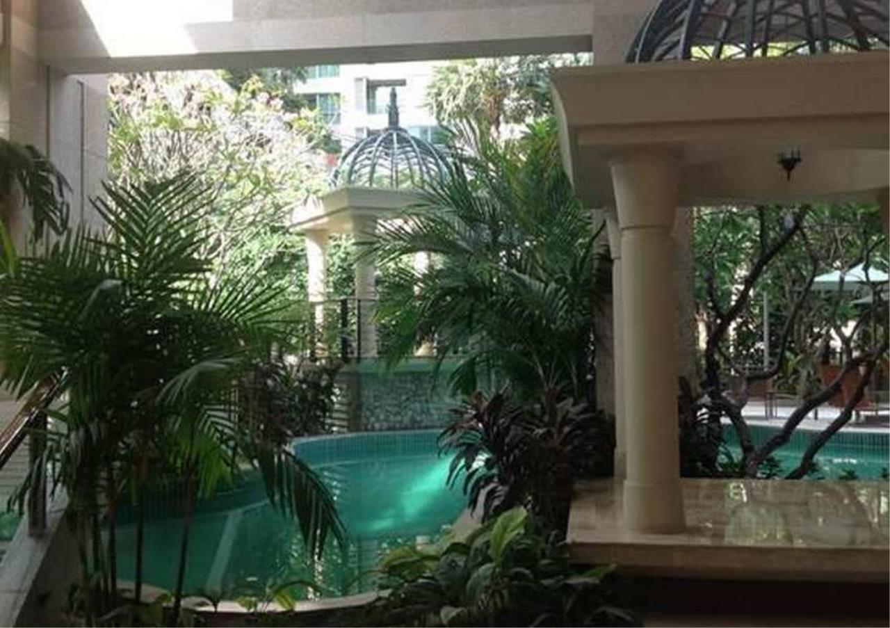 Bangkok Residential Agency's 3 Bed Condo For Rent in Chidlom BR6514CD 3