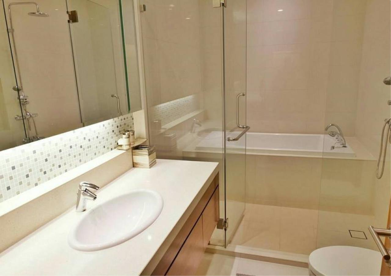 Bangkok Residential Agency's 3 Bed Condo For Rent in Phrom Phong BR6540CD 12