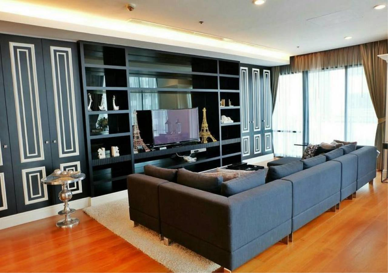 Bangkok Residential Agency's 3 Bed Condo For Rent in Phrom Phong BR6540CD 1