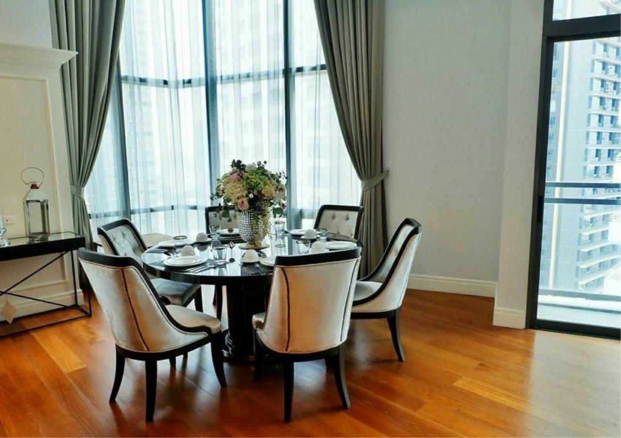 Bangkok Residential Agency's 3 Bed Condo For Rent in Phrom Phong BR6540CD 4