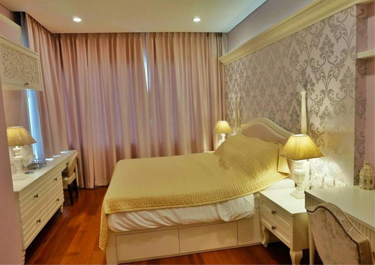 Bangkok Residential Agency's 3 Bed Condo For Rent in Phrom Phong BR6540CD 10