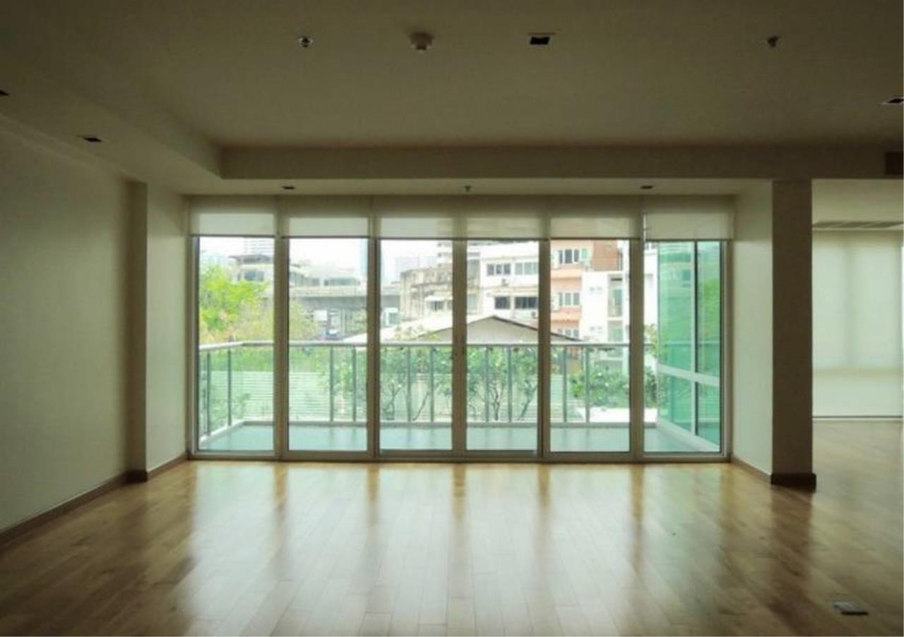 Bangkok Residential Agency's 4 Bed Condo For Rent in Phrom Phong BR6559CD 1