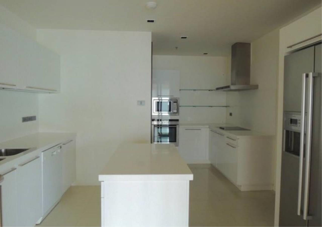 Bangkok Residential Agency's 4 Bed Condo For Rent in Phrom Phong BR6559CD 3