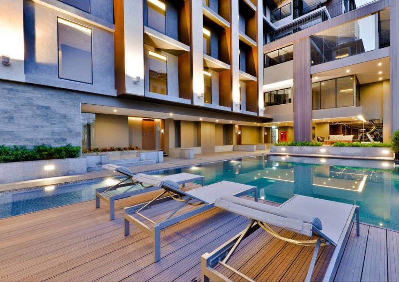 Bangkok Residential Agency's 3 Bed Condo For Sale in Sathorn BR6572CD 11
