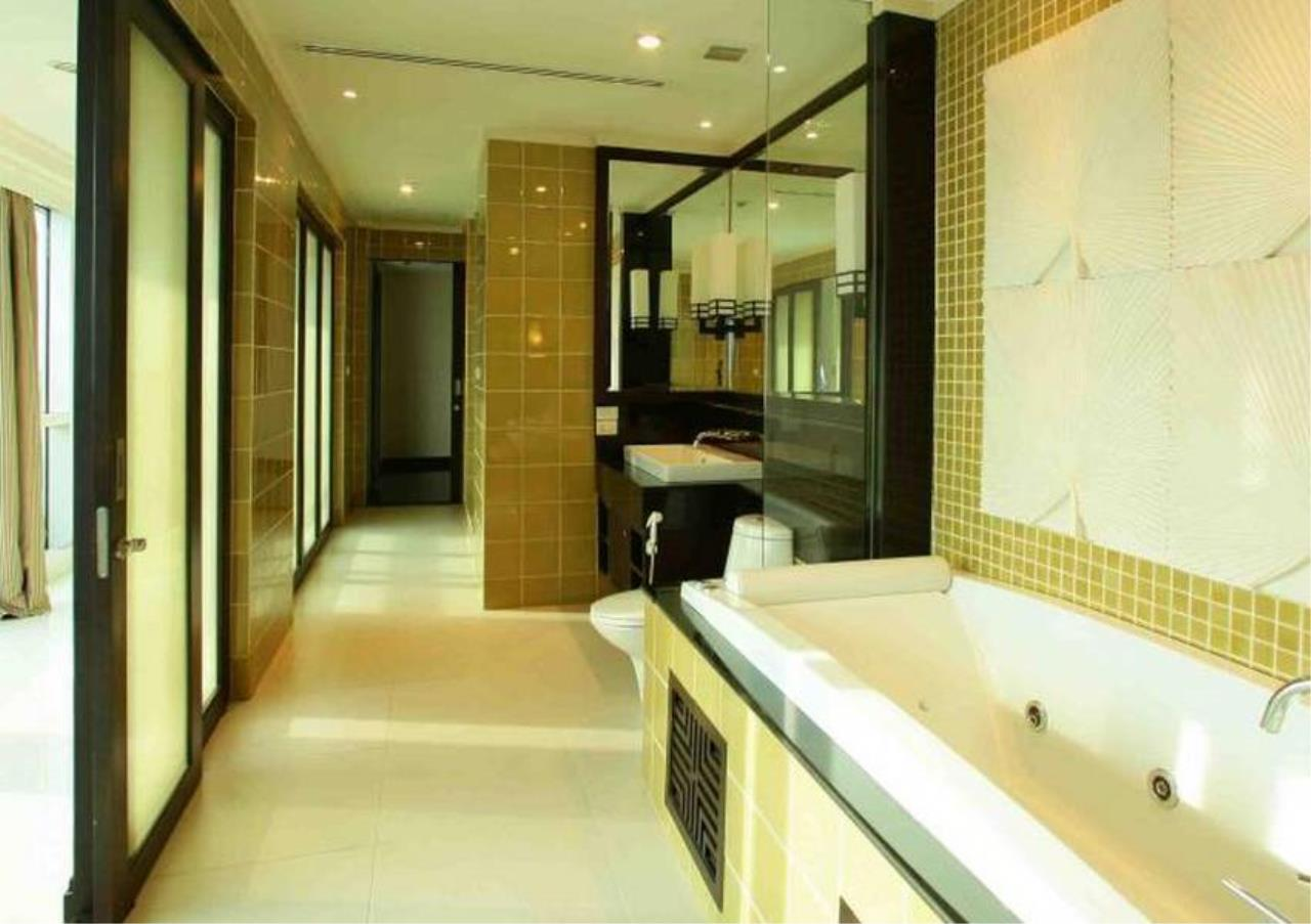 Bangkok Residential Agency's 5 Bed Penthouse For Sale in Sathorn BR6620CD 13