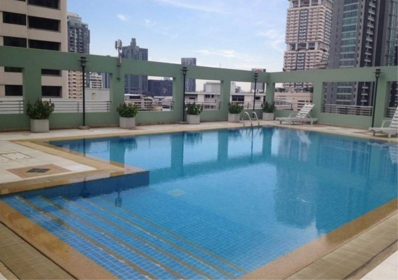 Bangkok Residential Agency's 2 Bed Condo For Sale in Phrom Phong BR6647CD 10