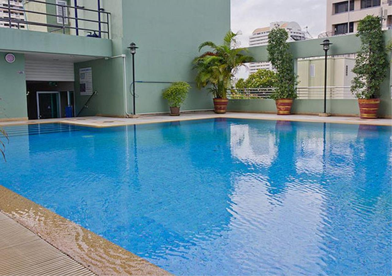 Bangkok Residential Agency's 2 Bed Condo For Sale in Phrom Phong BR6647CD 9