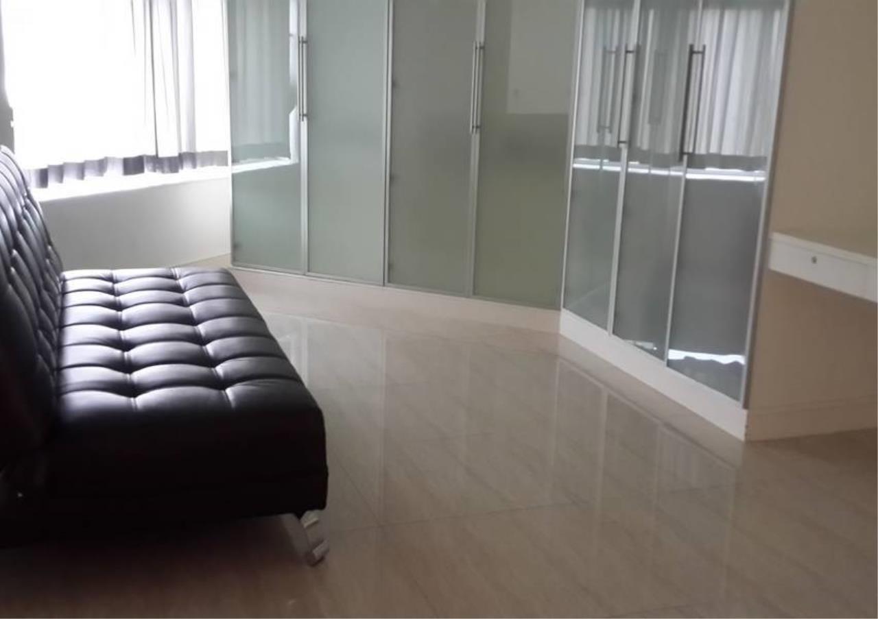 Bangkok Residential Agency's 4 Bed Penthouse For Rent in Phloenchit BR6763CD 13