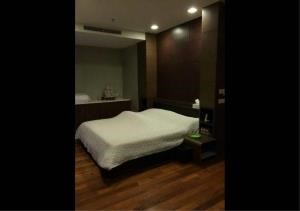 Bangkok Residential Agency's 2 Bed Condo For Rent in Ekkamai BR6766CD 4