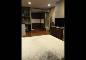 Bangkok Residential Agency's 2 Bed Condo For Rent in Ekkamai BR6766CD 5