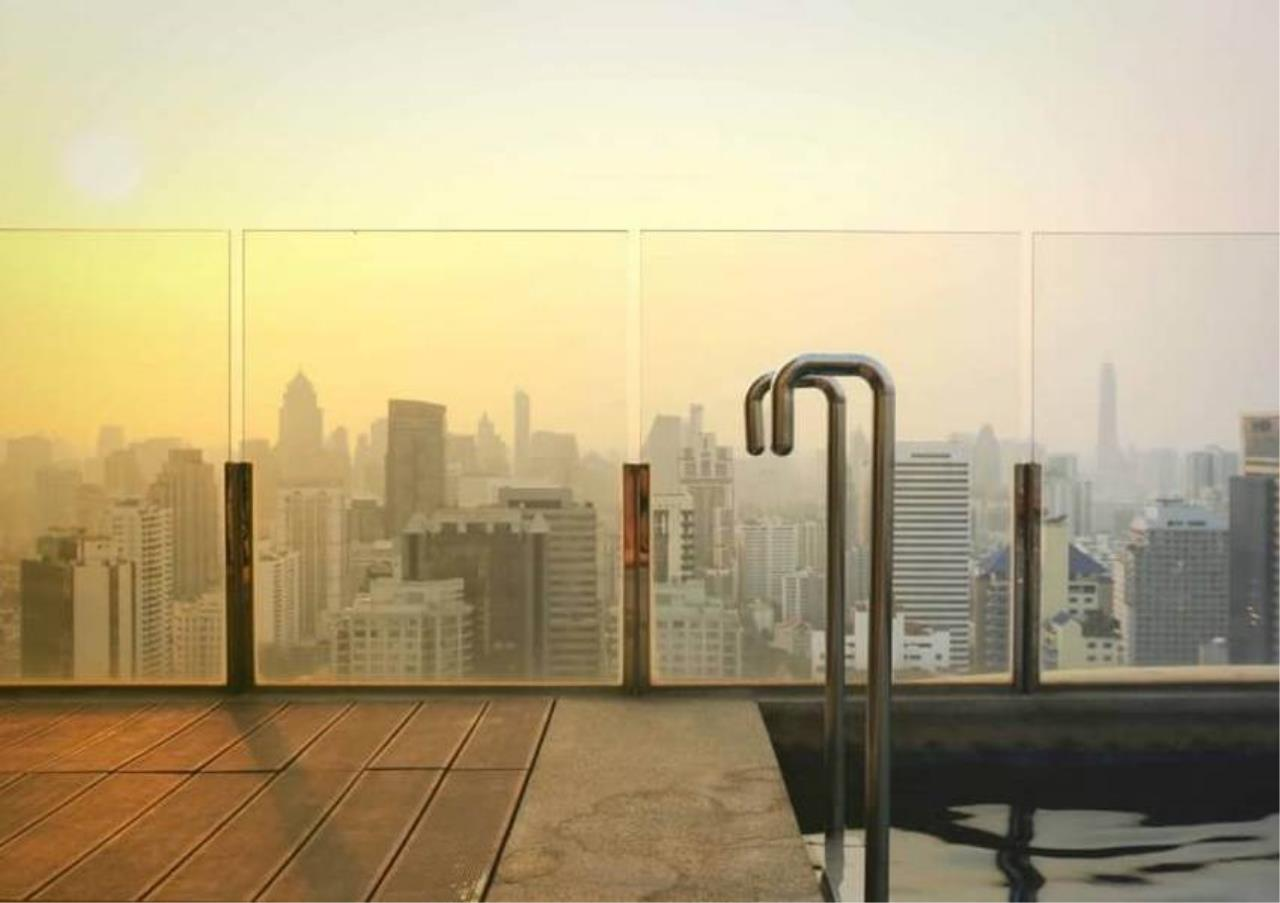 Bangkok Residential Agency's 5 Bed Penthouse For Sale in Phrom Phong BR6770CD 3