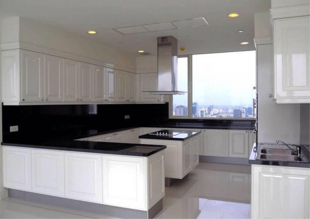 Bangkok Residential Agency's 5 Bed Penthouse For Sale in Phrom Phong BR6770CD 6