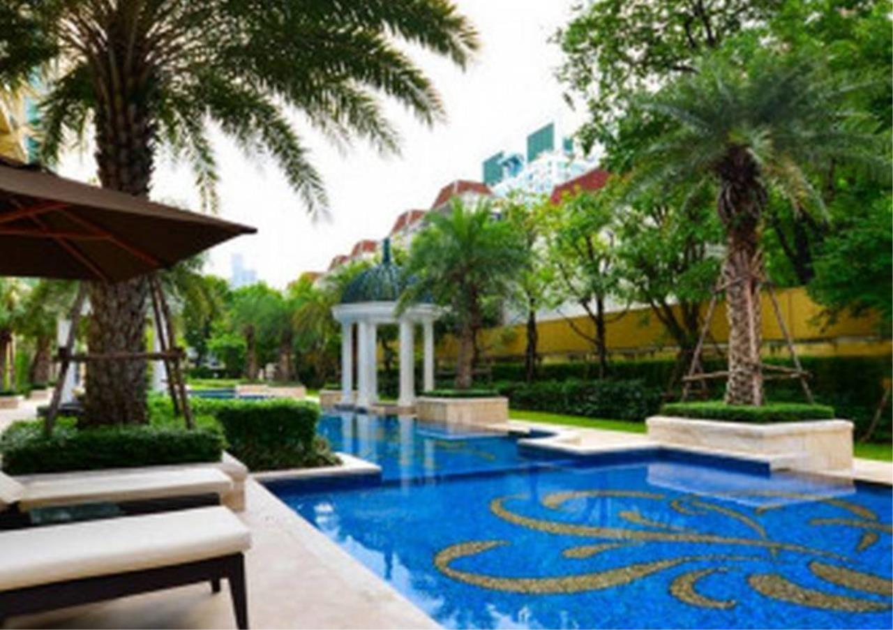 Bangkok Residential Agency's 5 Bed Penthouse For Sale in Phrom Phong BR6770CD 9