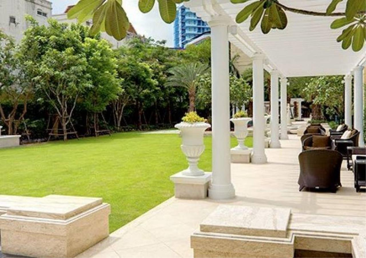 Bangkok Residential Agency's 5 Bed Penthouse For Sale in Phrom Phong BR6770CD 14