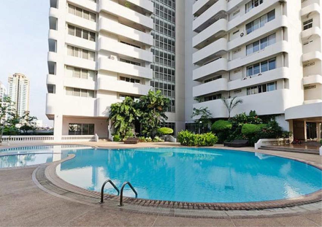 Bangkok Residential Agency's 3 Bed Condo For Rent in Phrom Phong BR6796CD 2