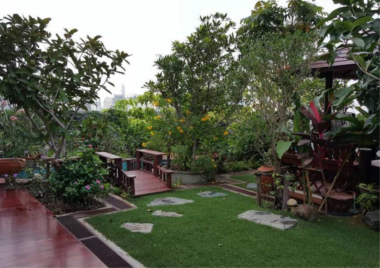 Bangkok Residential Agency's 3 Bed Condo For Rent in Phrom Phong BR6796CD 8