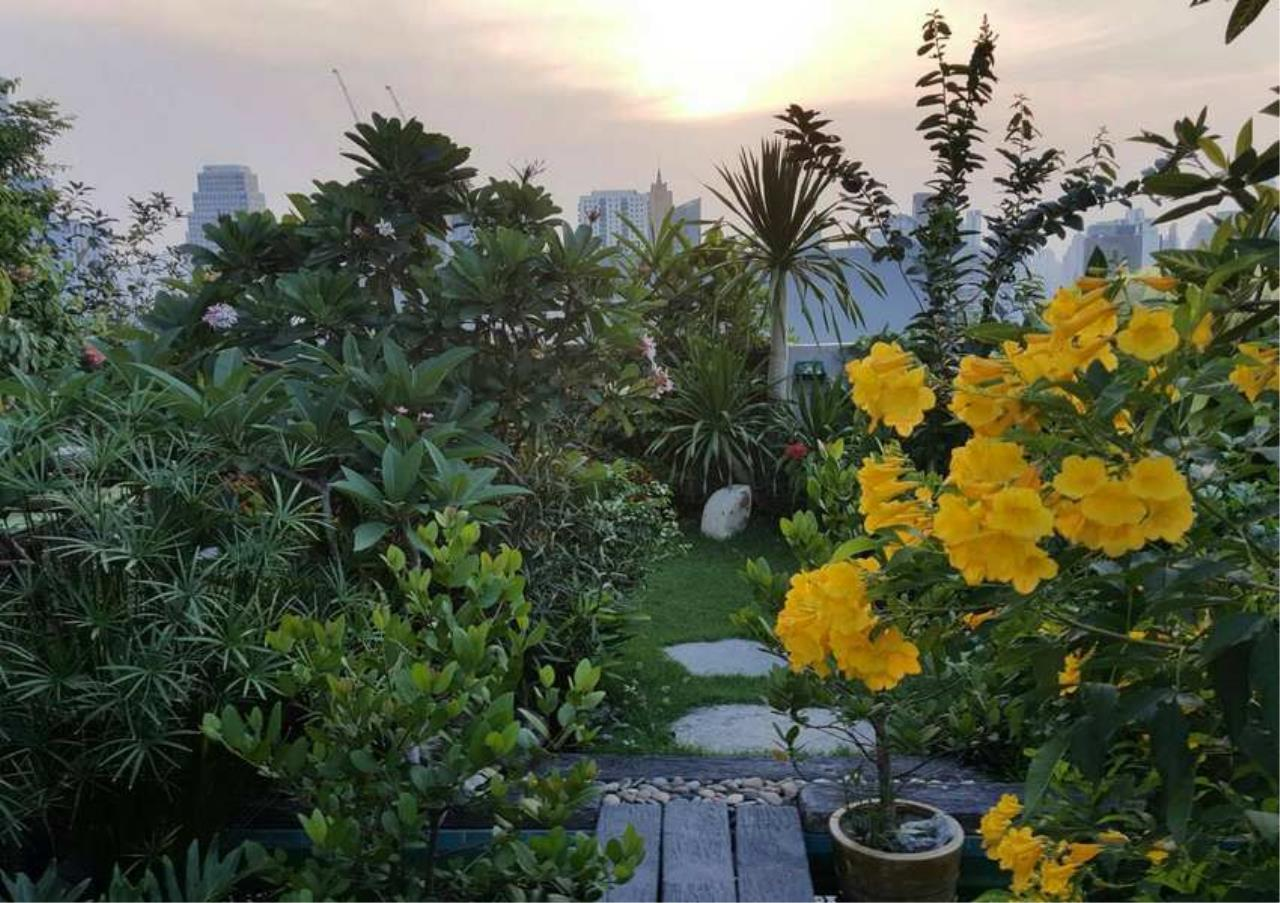 Bangkok Residential Agency's 3 Bed Condo For Rent in Phrom Phong BR6796CD 9