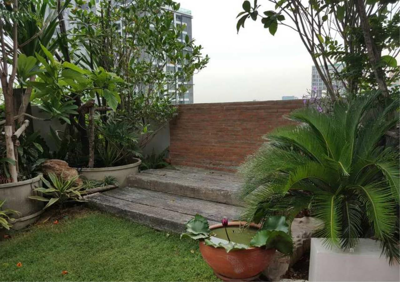 Bangkok Residential Agency's 3 Bed Condo For Rent in Phrom Phong BR6796CD 10