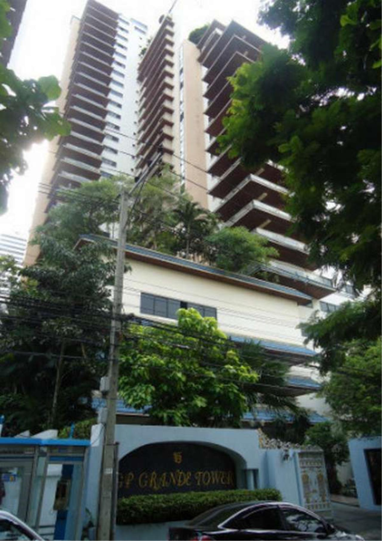 Bangkok Residential Agency's 3 Bed Condo For Rent in Phrom Phong BR6796CD 1