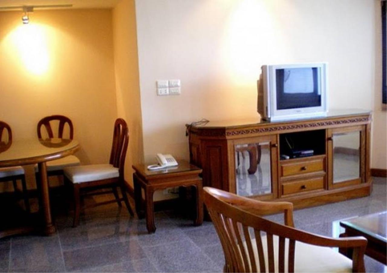 Bangkok Residential Agency's 3 Bed Condo For Rent in Phrom Phong BR6814CD 4