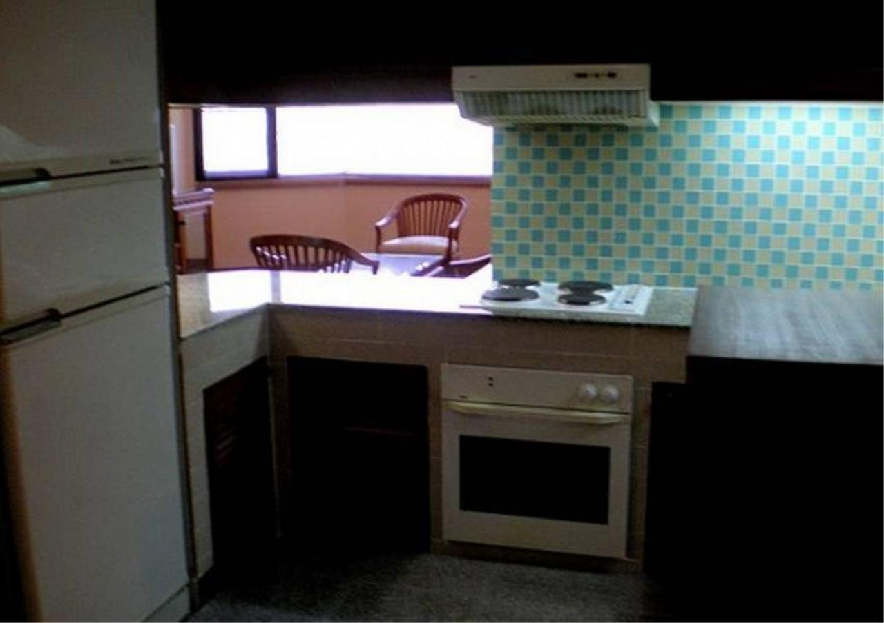 Bangkok Residential Agency's 3 Bed Condo For Rent in Phrom Phong BR6814CD 6