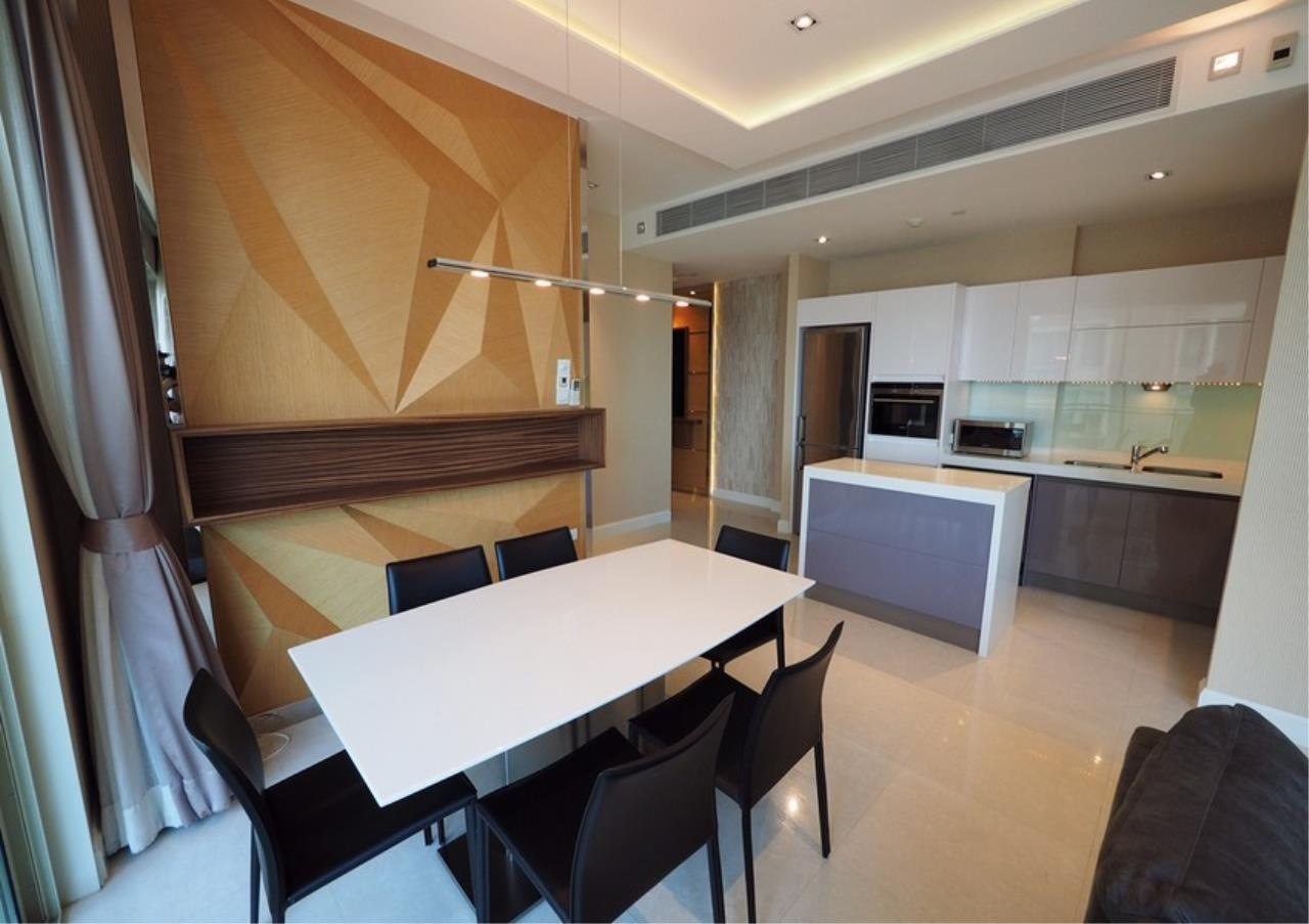Bangkok Residential Agency's 2 Bed Condo For Rent in Langsuan BR6834CD 2