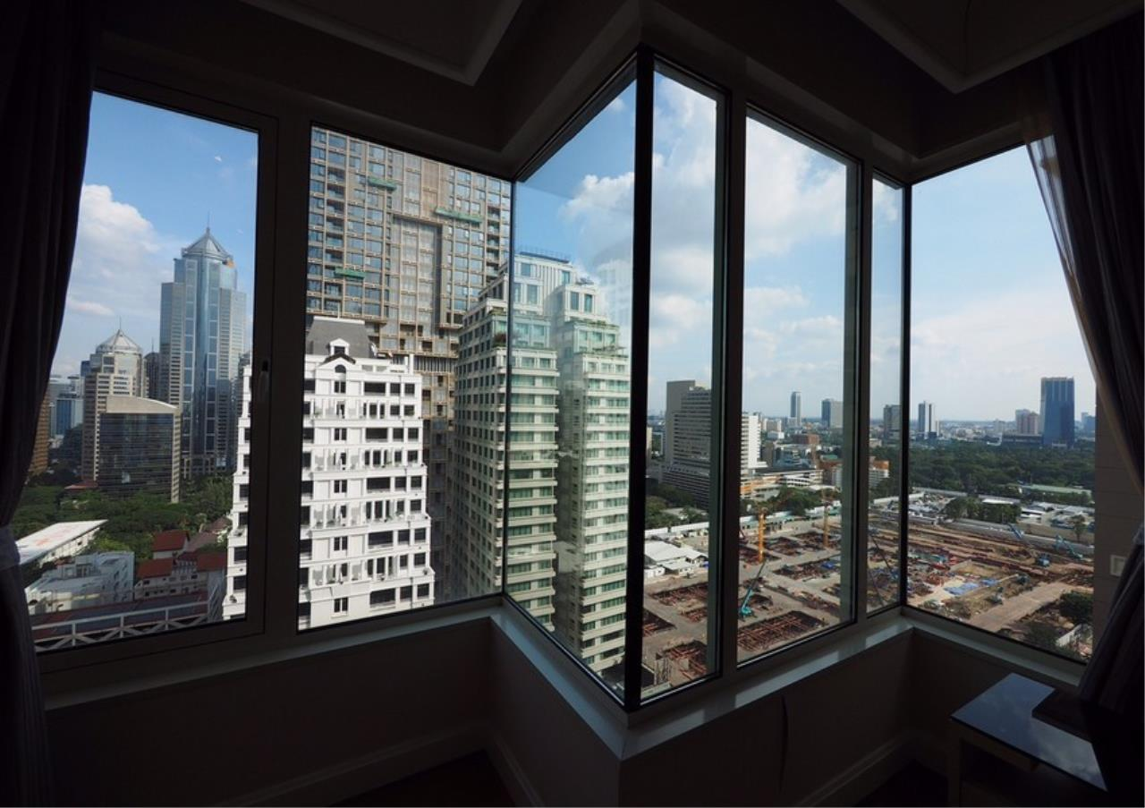 Bangkok Residential Agency's 2 Bed Condo For Rent in Langsuan BR6834CD 5