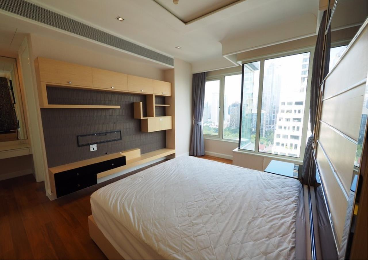 Bangkok Residential Agency's 2 Bed Condo For Rent in Langsuan BR6834CD 6