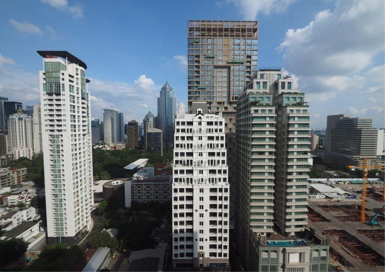 Bangkok Residential Agency's 2 Bed Condo For Rent in Langsuan BR6834CD 9